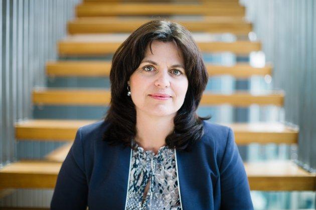 «Nei til EU har landsmøte i Sarpsborg i helgen. De kommer til å svartmale EØS-avtalen og EU. Det er det ingen grunn til. Tvert imot», skriver Nina Solli, regiondirektør i NHO Viken Oslo, i dette innlegget. (Foto: Moment Studio)
