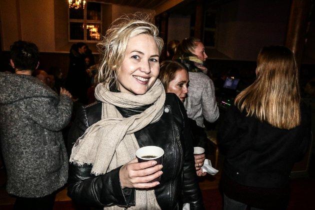Forfatter og journalist Lene Julsen var på plass i Tune kirke.