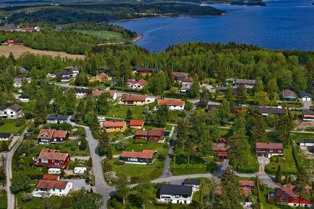 Det er vedtatt utbygging av rundt 120 boenheter ved Bodalstranda. (Foto: Johnny Helgesen)