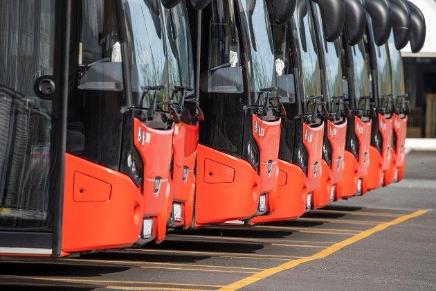 Norges Kommunistiske Parti, ved leder Runa Evensen og nestleder Alexander N. Sørnes, gir i dette innlegget full støtte til de streikende bussjåførene. (Illustrasjonsfoto: Terje Pedersen, NTB)