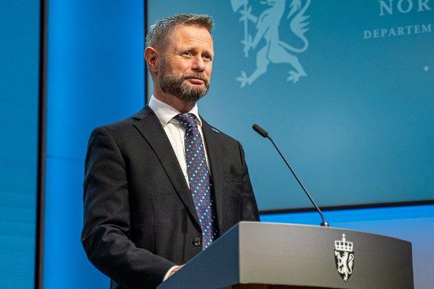 Helseminister Bent Høie under en pressekonferanse om koronasituasjonen.