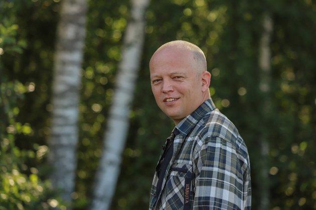 «Senterpartiet vil ta tilbake nasjonal kontroll over norsk energipolitikk. Vi vil trekke Norge ut av ACER og har nettopp fremmet forslag om dette i Stortinget», skriver Senterparti-leder Trygve Slagsvold Vedum i dette innlegget. (Foto: Senterpartiet)