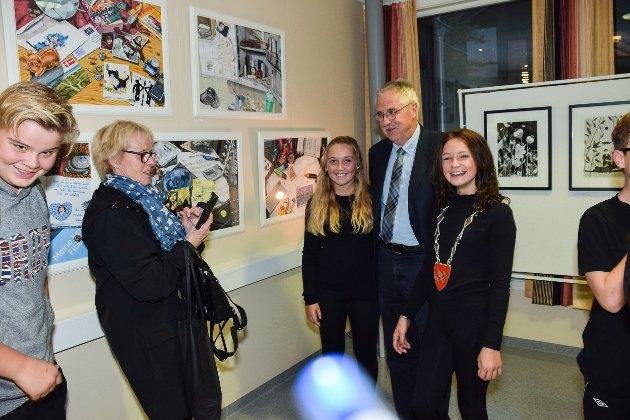 Åpning av utstillingen Barn, ungdom og oppvekst som kunst i Kulturoasen på Fjellheim.
