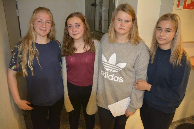 Sterkt bidrag: Denne kvartetten holdt en sterk appell om mobbing på Spydeberg ungdomsskole