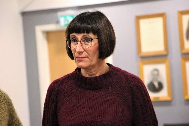 NEI TIL MOMS: Torhild Pedersen og partifelle Tom Kalsås mener det er håpløst at det blir krevd moms av klubber og idrettslag.