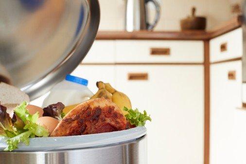 Vi har alle et ansvar for å få ned matsvinnet - fra de store matvarekjedene til hver enkelt av oss, skriver Steinkjer-Avisas redaktør.