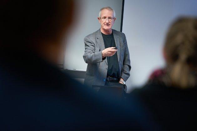 Tor Åm, sykehusdirektør i Helse Nord-Trøndelag, har skrevet kronikk om ambulansedebatten.