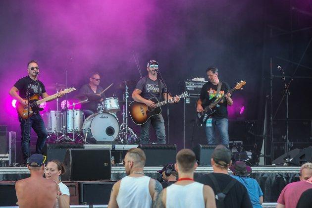 Spinning Wheels fra Notodden engasjerte sterkt i Seljord og skal gjenta bedriften på Notodden Bluesfestivals nye scene - Rooysville kommende helg.