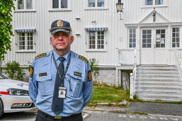 REAGERER: Politistasjonssjef i Kragerø, Øystein Skottmyr, reagerer sterkt på uttalelser om kvinner i politiet.