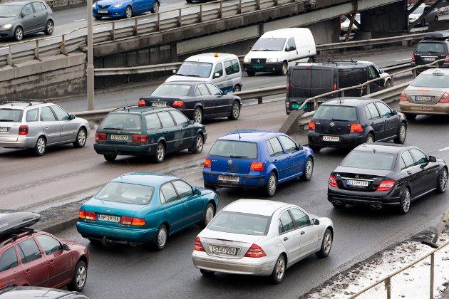 En el-bil lager mye mer svevestøv enn en tilsvarende fossil bil. I byer med stor forurensing er svevestøvet et mye større problem enn CO2, påstår Stein Fredrik Solli.