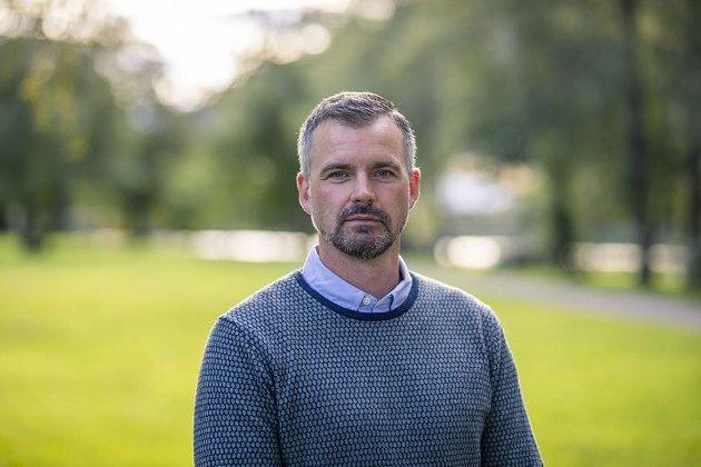 Carl Fredrik Stenstrøm i NBO etterlyser at Stortinget må bestemme over hele pengespillmarkedet i Norge. – Det har Stortinget gjort – med enerettsmodellen, skriver Henrik Nordal (bildet) i Lotteritilsynet.