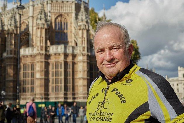 – Bike For Peace har arbeidet for å bli kvitt atomvåpen siden 1982, og vi har uttalt at atomvåpen simpelt hen ikke kan bli brukt, skriver Tore Nærland, fredsaktivist.