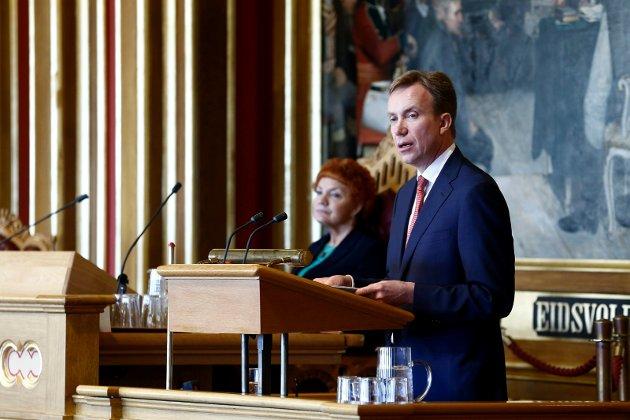 FÅR KRITIKK: De internasjonale avtalene TISA og TTIP kan bety mindre trygghet for norske arbeidstagere og forbrukere, hevder Olaf Mathiassen. Han mener utenriksminister Børge Brende ikke kan avfeie skepsisen som misforståelser.