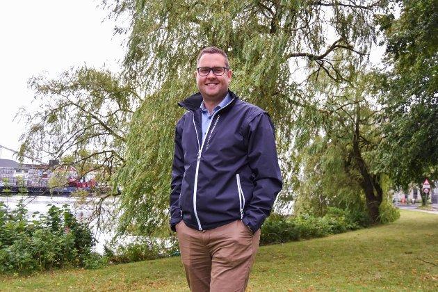 - SI UNNSKYLD: Anders Mathisen og Færder Frp bør be det rødgrønne flertallet i kommunestyret om unnskyldning, mener forfatteren. Han reagerte da Mathisen stemplet vedtaket om å utrede eiendomsskatt som politisk latskap.