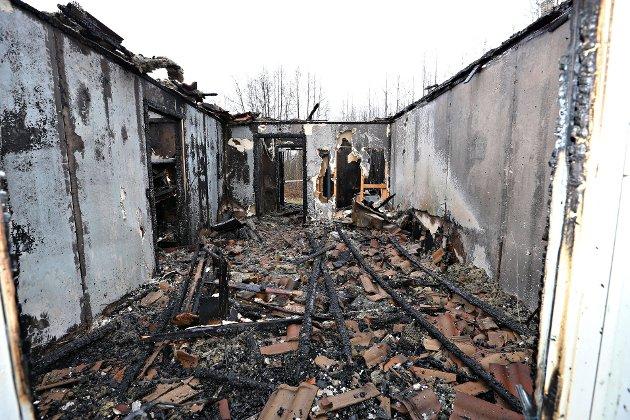TOTALSKADET: Slik så det ut inne i noen av boenhetene etter brannen.