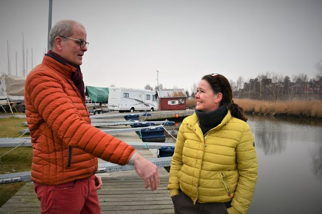 UENIGE: Ordfører Jon Sanness Andersen og gruppeleder Cathrine Palm Spange står på hver sin side i Hjemseng Brygge-saken. Nå gjenstår det å se hvem flest av partifellene vil følge.