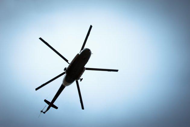 PLAGSOMT: Helikopterne avgir en intens knatrende lyd, nærmest som et maskingevær og flyr iblant i ring over området hvor vi bor øst på Tjøme. Det ser ut for at de kommer fra nordvest og runder over Brøtsø, før de snur nordover og flyr over Mågerø og videre over Nøtterøy, skriver Henning Stangeby.