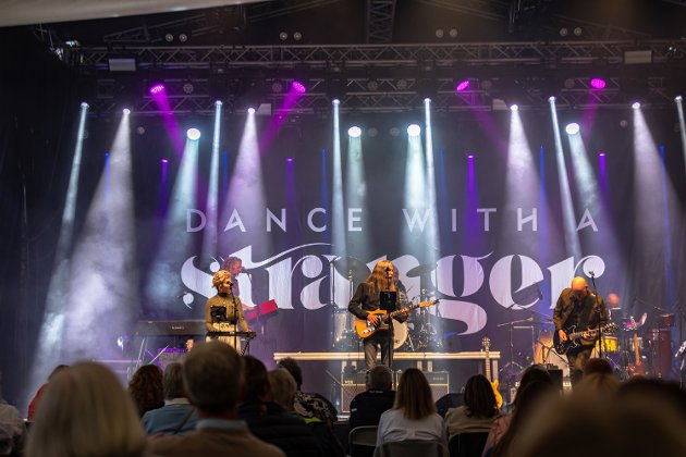 PÅ SCENEN: «Dance With A Stranger» ble Årets Spellemann i 1991. 30 år senere holder de fortsatt koken på scenen i Foynhagen.