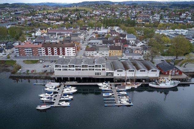 SV mener at byggetrinn 2 fører til privatisering av tilknytningen til Sundet og at gjenbyggingen vil forringe Levanger sentrum sitt samlede kulturmiljø, mener Levanger SV.
