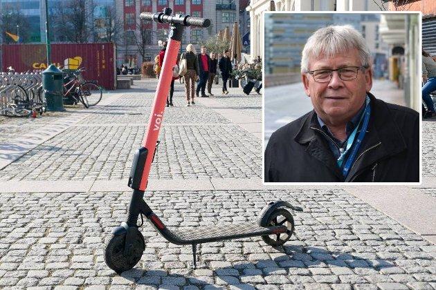 Pensjonistpartiets Svein Otto Nilsen (innfelt) vil ha regler for parkering av sparkesykler i Trondheim.