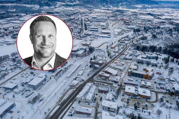 Dessverre ser det ut til at både Jernbanedirektoratet, og eier Staten ved Samferdselsdepartementet, ikke lenger anser gjennomkjøringsterminal på Torgård som en realiserbar løsning, skriver Børge Beisvåg i NiT.