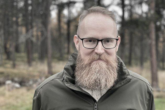 Helseplattformen er elefanten i Midt-Norge som ingen egentlig snakker kritisk om. Et kjempeprosjekt som sluker ansatte fra helsesektoren og som innføres på en måte som ikke gir kommunene i Midt-Norge følelsen av at de har andre alternativer, skriver Iver Waldahl Lillegjære.