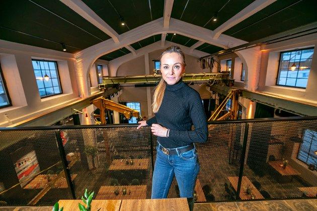 Interiørdesigner Marianne Koppinen i Totaleiendom har jobbet med Maskinverkstedet i snart ett år, og håper gjester og ansatte opplever bygget som varmt og lunt.