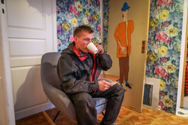 Tor Magne samler tomgods i Tromsø og tjener til livets opphold på den måten. Han synes Tromsø er en hjertevarm by.