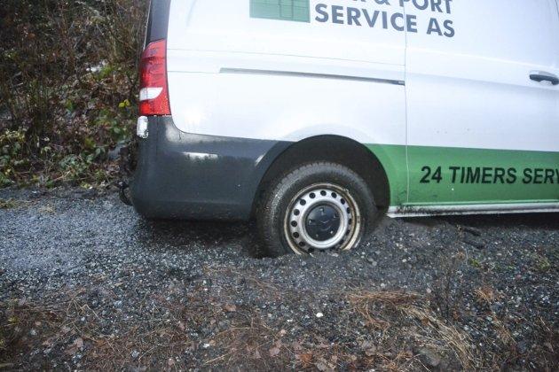 Hjulene sto godt plantet i grusen.