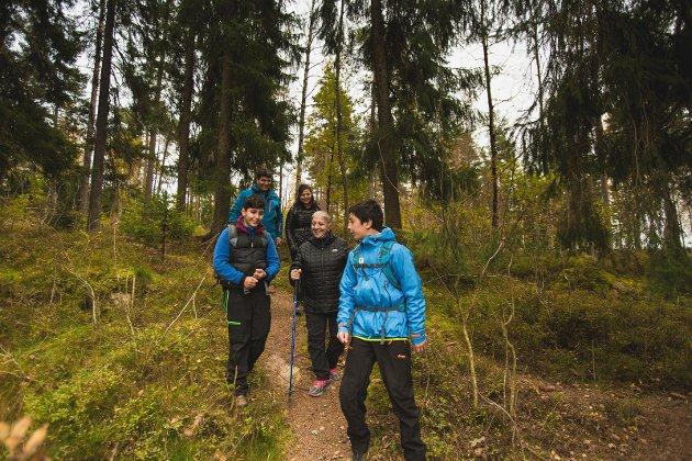 VIKTIG MØTEPLASS: I skogen og på fjellet sier vi «hei» til alle vi møter på vår vei.
