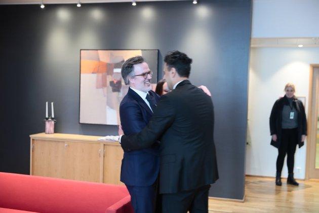 Oslo: Det var stor glede da Abid Raja overtok kulturministerposten etter Trine Skei Grande.og Knut Aastad Bråten ble utnevnt til statssekretær. Foto: Olav Olsen, Aftenposten