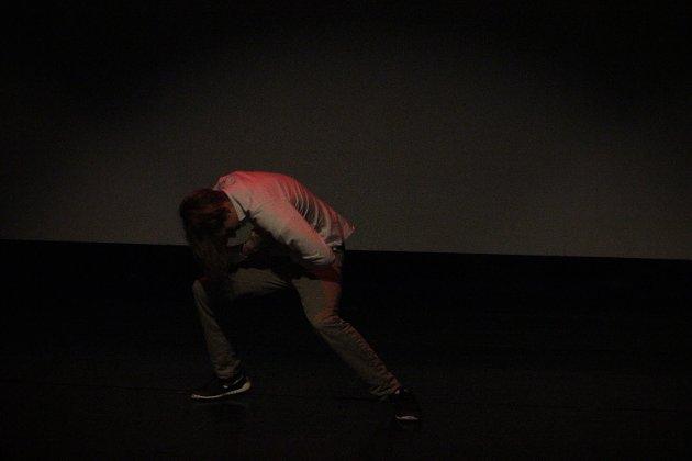 Follo Folkehøgskole hadde på lørdag sin første forestilling med egne soloopptredener. Foto: Camilla Marie Reierstad