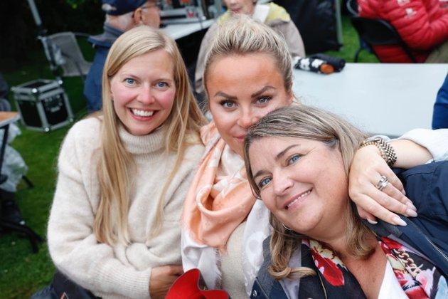 Nina, Ingrid og Therese elsker Son. – Og så liker vi veldig godt å høre «engler i snøen». Og ja – vi er alle tre fra Son.