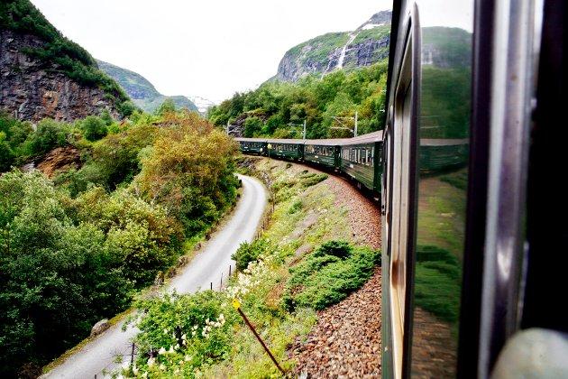 NORSK NATUR: Mellom Myrdal og Flåm er det 20 kilometer med slående norske landsskap, og Flåmsbana blir ofte kalt en av verdens vakreste reiser med tog. (Foto: Sara Johannessen / NTB scanpix)  FOTO: Johannessen, Sara / NTB scanpix