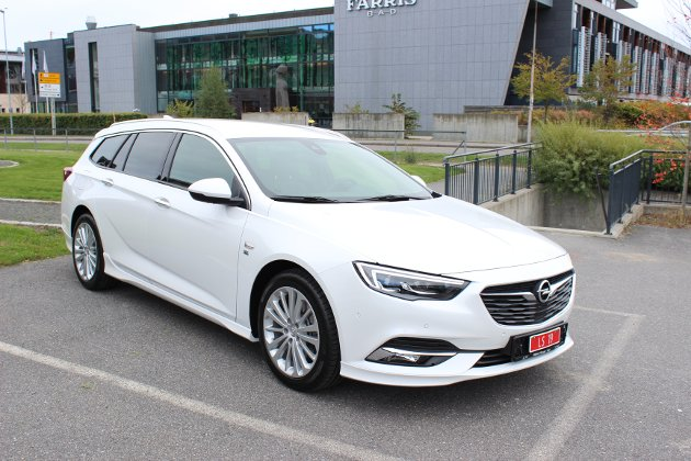 HELT NY: Andre generasjon Opel Insignia er en tvers igjennom ny bil med god plass og mye utstyr.