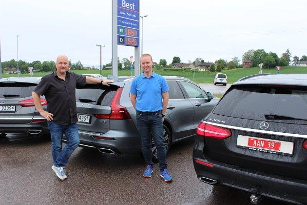 Medtesterne: Denne biltesten ble utført med god hjelp fra Freddy Evensen (t.v.) og Truls Lunde.