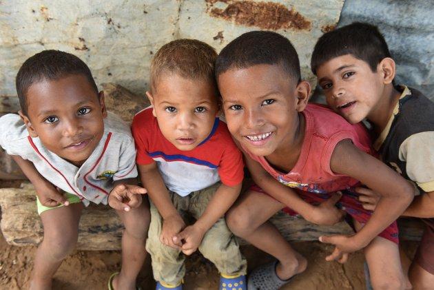 Sammen kan vi sørge for at ingen barn blir stående alene, skriver Kosovare Neziri i SOS-Barnebyer.