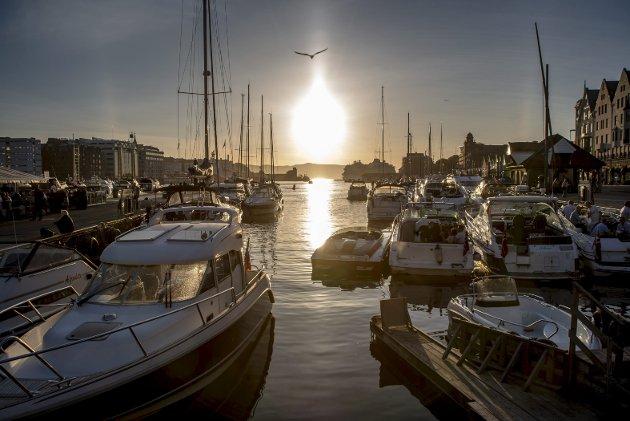 – Med nye bystrender ligger alt til rette for en mer sjøvendt by som kan finne tilbake til sin naturlige nærhet til vannet, skriver innleggsforfatteren som ønsker bedre tilrettelegging for å bo i båt. Arkivfoto: Eirik Hagesæter
