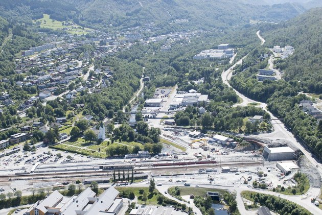 Området det handler om ligger øverst og litt til høyre på bildet. Arna stasjon nederst.FOTO: ARNE RISTESUND
