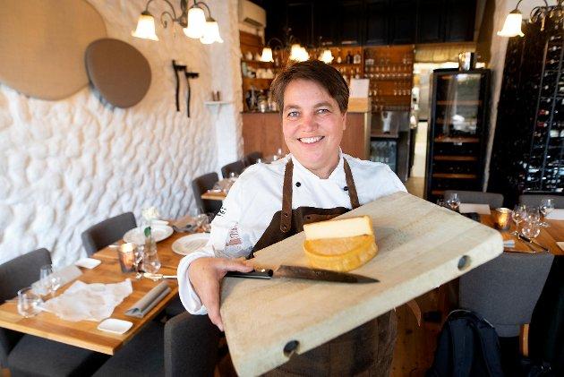 Ingvild Skorpen Bøge på Spisekroken på Klosteret har selvsagt Munkebyost som en av sine spesialiteter på menyen.