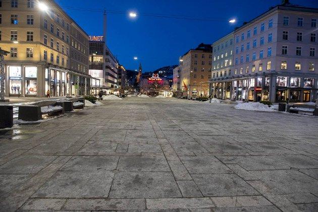 – Har Bergen noensinne vært mer stengt på dagtid? Når vi etter et år med dugnad har de mest elendige forholdene så langt, så blir regnskapet litt rart, skriver Trond Tystad som stiller spørsmål ved regjeringens håndtering av pandemien. FOTO: MAGNE TURØY