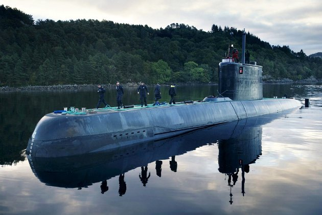 Det kjøpes inn nye ubåter. Det er det eneste positive som skjer i marinen.