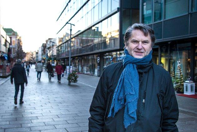 Jens Olav Simensen får spørsmål om demokratiet har tatt en pause i Fredrikstad kommune.