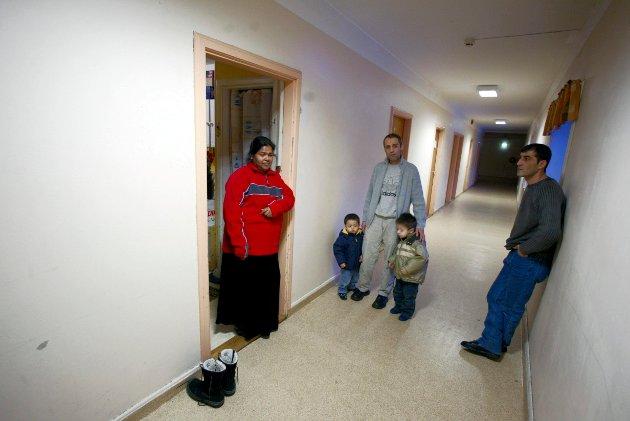Mange har ventet på vedtak gjennom årene med asylmottak i Veumalleen. Per Bertelsen mener nedleggelsen ikke er i samsvar med UDIs egne verdier.