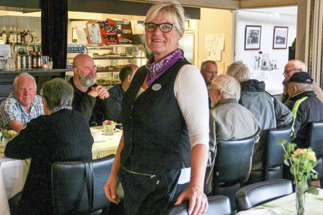 Hyllest: Vår gjesteskribent Lorentz Moe er full av lovord om Rita Nesset (bildet), daglig leder av Milepelen, og alle andre som får dette spesielle stedet i Nord-Odal til å fungere både som kulturhus, hotell og spisested. Nå vil han gjerne oppleve Hanne Krogh på Milepelen-scenen igjen.FOTO: Kari Gjerstadberget
