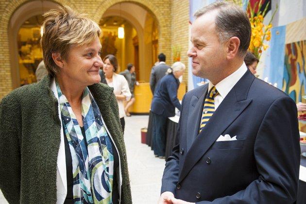 OPPLANDSPROFILER: Olemic Thommessen og Rigmor Aaserud står i front for Høyre og Arbeiderpartiet i Oppland. Fylkesårsmøtene innleder den lange valgkampen fram mot valget 11. september. Der det grønne kortet kan slå sterkere ut blant velgerne enn i tidligere valg.