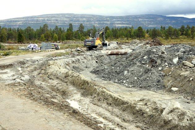 SLIK SER DET UT: Utbyggingen av vann- og kloakk på Kvamsfjellet. 180 hytteeiere skal knytte seg til ledningsnettet.
