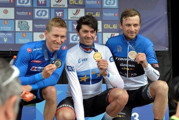Tiago Ferreria (midten) fra Portugal ble Europeisk mester, italienske Samuele Porro fikk sølv (t.v), bronsen gikk til Estlands Peeter Pruus. *** Local Caption *** Em sykkel Furusjøen