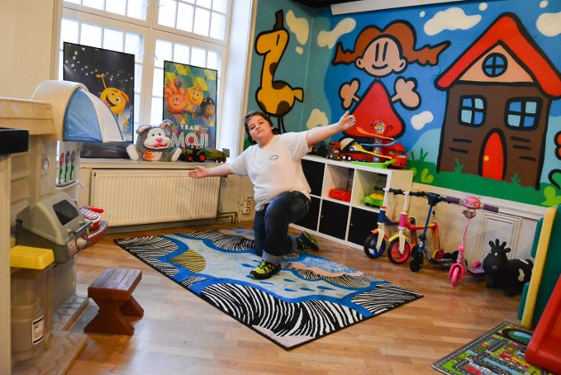 Extra Giverglede har lagd ungdomsklubb i Samfundet. Ungdomssamfundet åpner 22. november 2017. Lars Joachim Bratlie viser fornøyd fram barnehjørnet.
