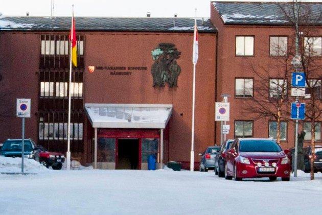 Regjeringen satte Norge på vent med dramatiske tiltak 12. mars 2020 for å hindre videre smitteutbredelse. Illustrasjon.